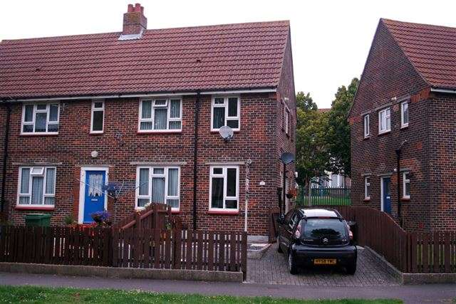 1 Bedroom Ground Flat for sale in Dursley Crescent, Portsmouth, Hampshire, PO6 3QB