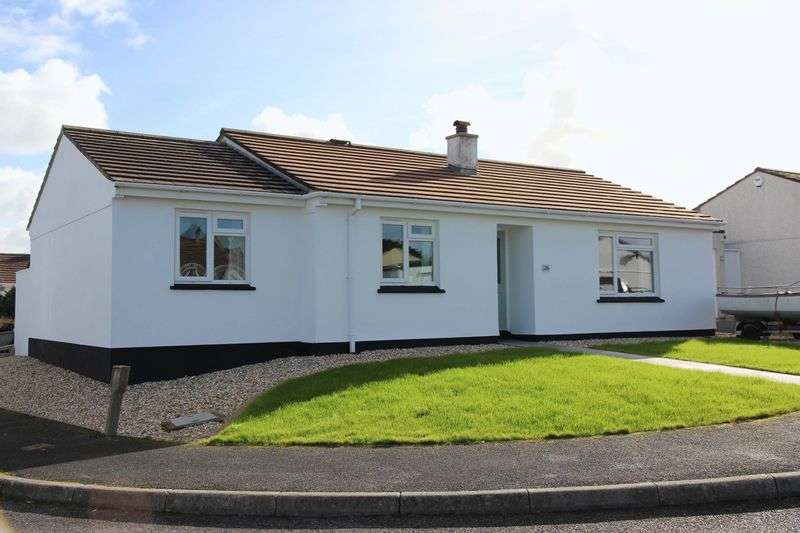 3 Bedrooms Detached Bungalow for sale in Nathan Close, Newquay