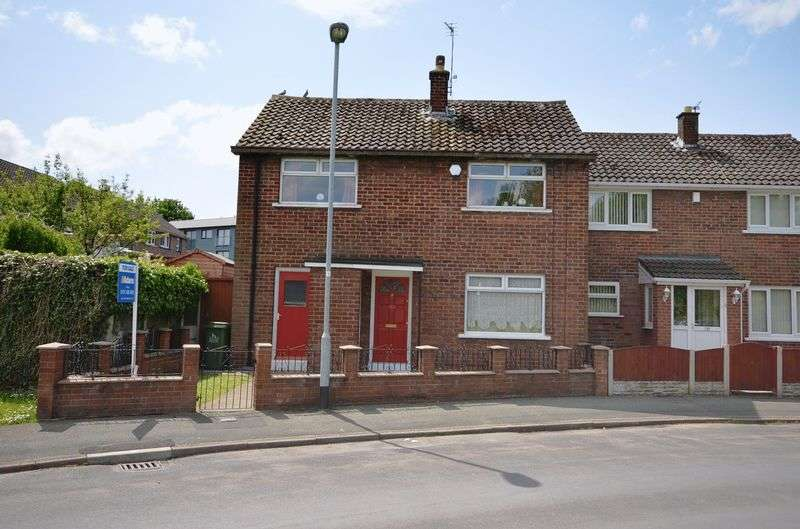 3 Bedrooms Semi Detached House for sale in Clapgate Crescent, Widnes