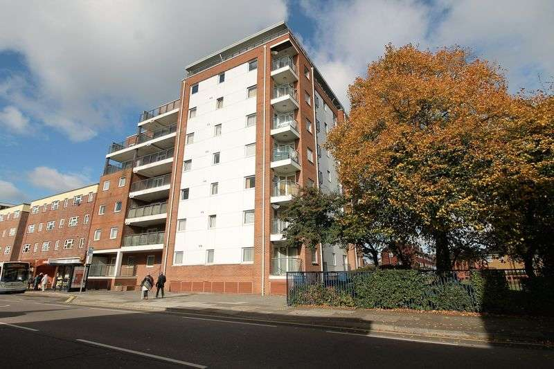 2 Bedrooms Flat for sale in Queen Street, Portsmouth