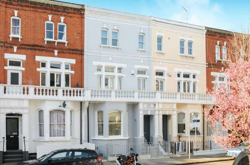 5 Bedrooms Detached House for sale in Waldemar Avenue, London