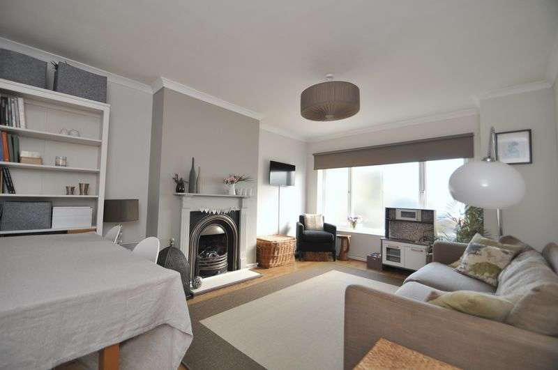 2 Bedrooms Mews House for sale in Acacia Grove, New Malden