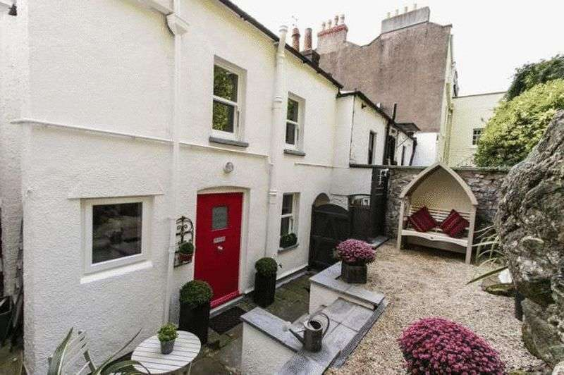 2 Bedrooms Cottage House for sale in Charming two bedroom period cottage