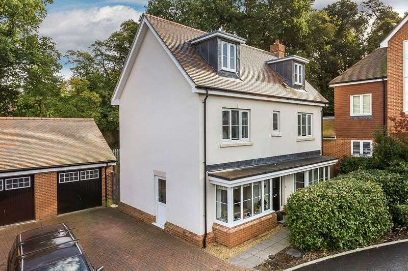 4 Bedrooms Property for sale in Dorking