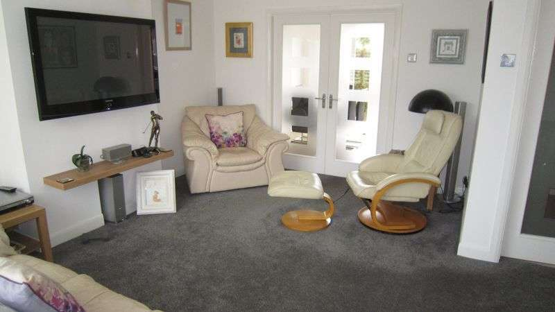 3 Bedrooms Semi Detached House for sale in Ettington Road, Mount Nod, Coventry