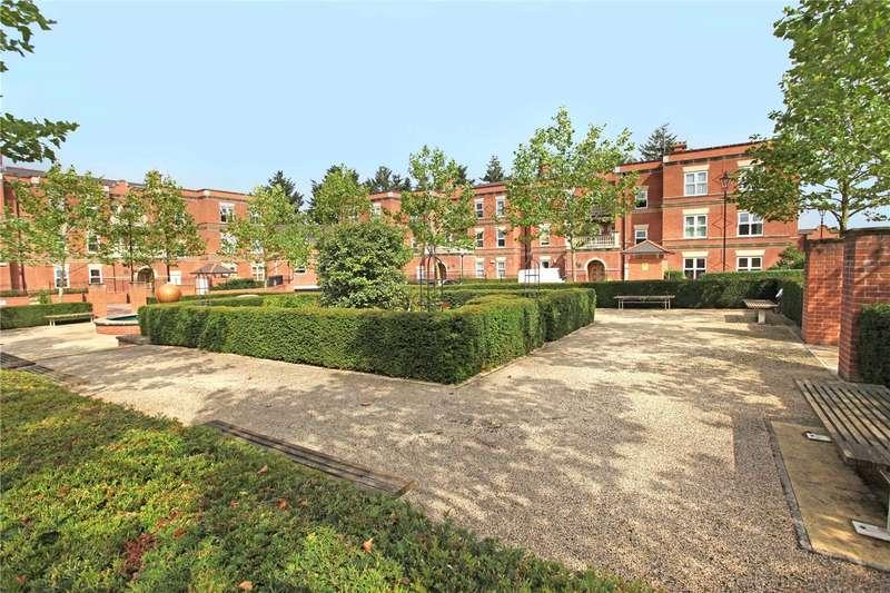2 Bedrooms Flat for sale in Franklin Court, Wormley, Godalming, Surrey, GU8