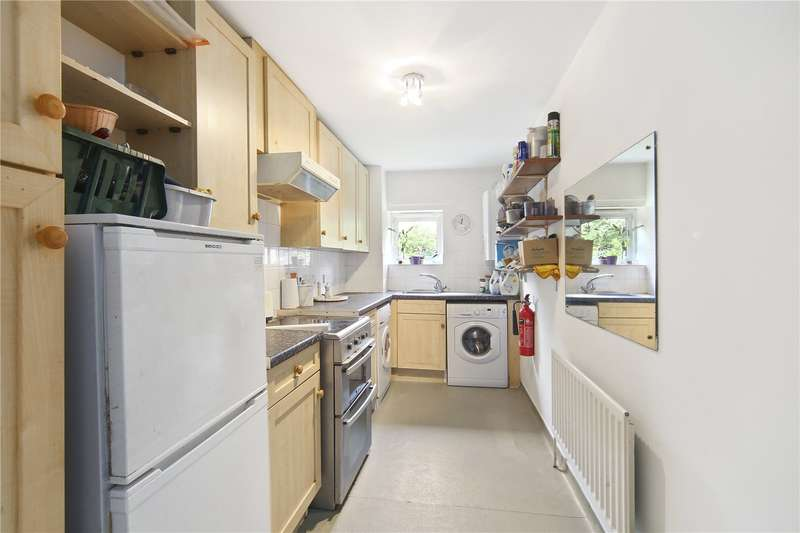 2 Bedrooms Flat for sale in Pamela Court, Lucas Close, NW10