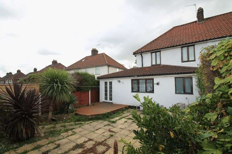 4 Bedrooms Semi Detached House for sale in Minet Drive, Hayes.
