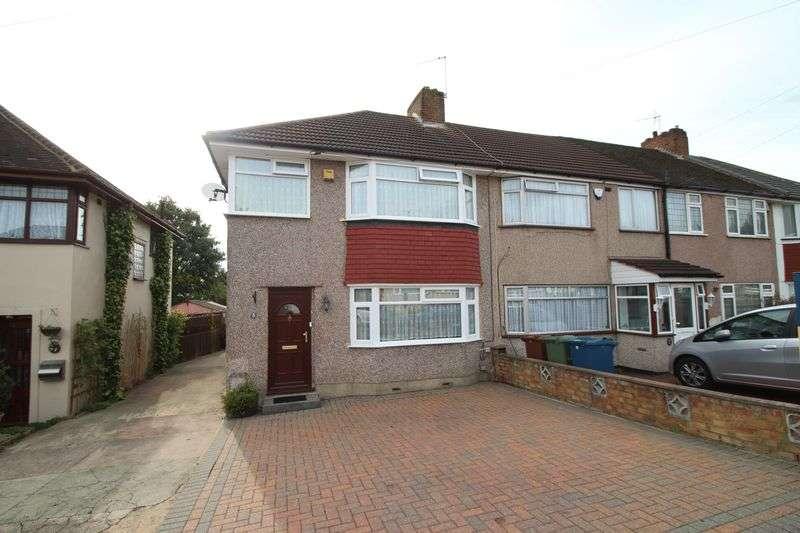 3 Bedrooms Terraced House for sale in Stox Mead, Harrow Weald