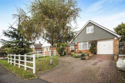 4 Bedrooms Bungalow for sale in Orchard Estate, Eggington, Leighton Buzzard, Bedfordshire