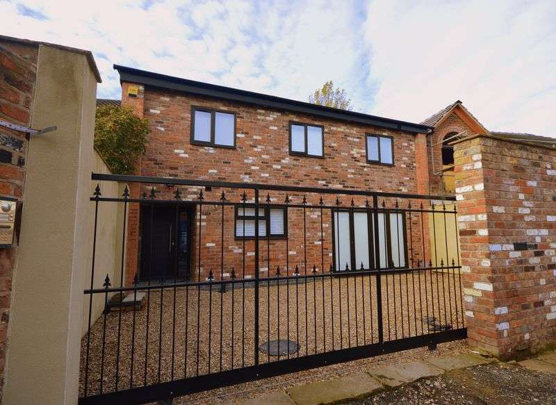 3 Bedrooms Semi Detached House for sale in Bridge Road, Mossley Hill
