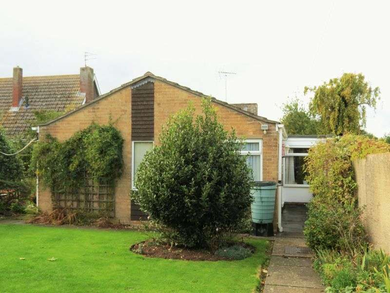 3 Bedrooms Detached Bungalow for sale in Deeping St James
