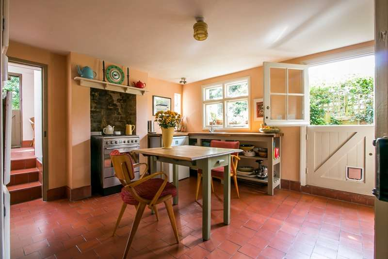 2 Bedrooms Detached House for sale in Blythe Hill Lane, Forest Hill, London, SE6