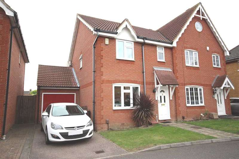 3 Bedrooms Semi Detached House for sale in Andrea Avenue, Chafford Hundred