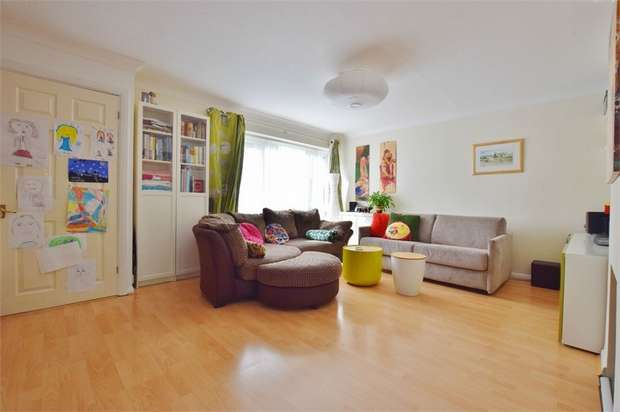 3 Bedrooms Terraced House for sale in Claybury, BUSHEY, Hertfordshire