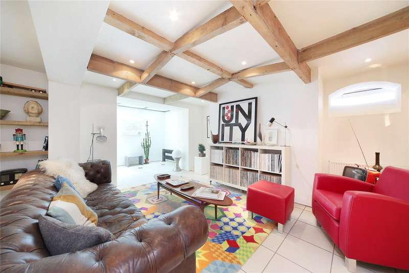 4 Bedrooms Detached House for sale in Ambleside Avenue, Streatham, London, SW16