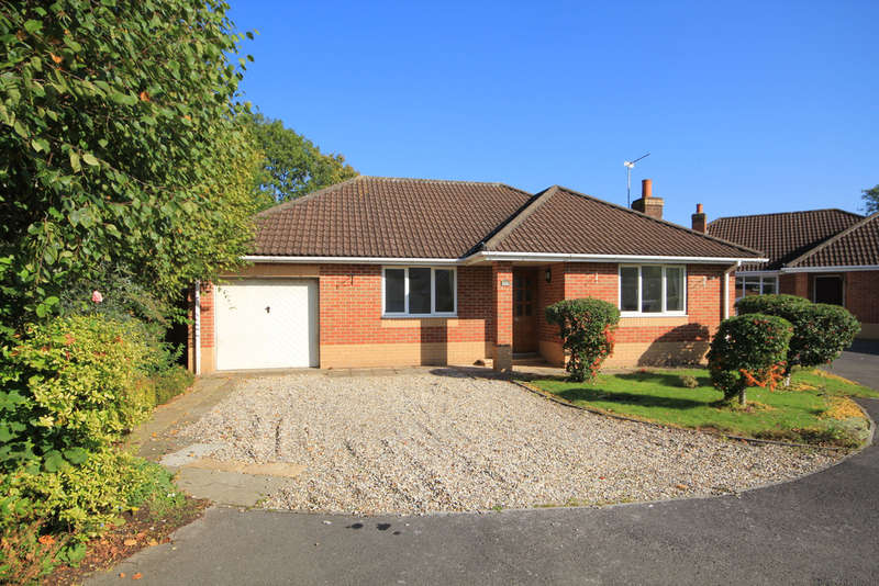 3 Bedrooms Detached Bungalow for sale in Park Lane, Frampton Cotterell, Bristol BS36 2EN