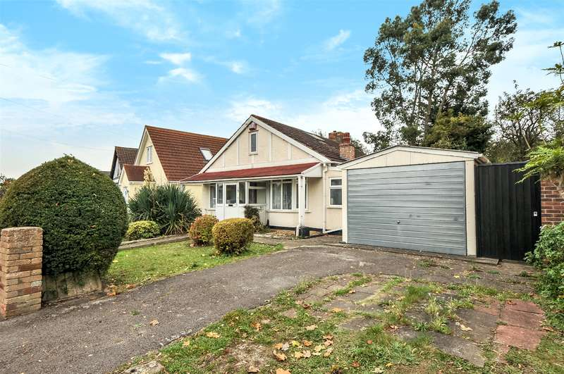 3 Bedrooms Bungalow for sale in St. Margarets Avenue, Uxbridge, Middlesex, UB8