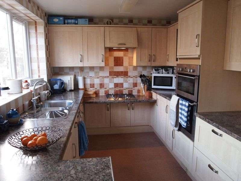 2 Bedrooms Detached House for sale in Cedar Road, Preston