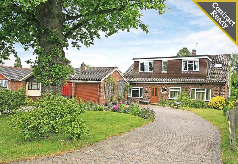 4 Bedrooms Detached House for sale in Woodham Park Way, Woodham, Addlestone, Surrey, KT15