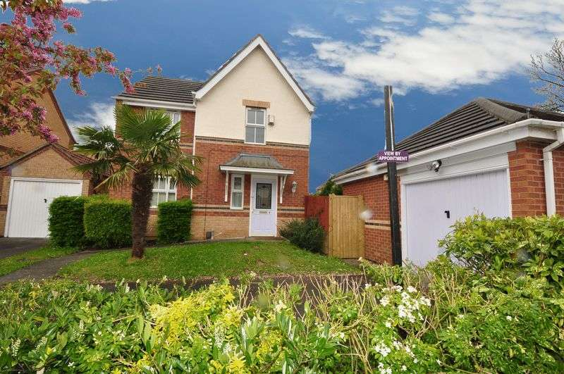 3 Bedrooms Detached House for sale in Buttermere Avenue, Woodhouse Park, Manchester
