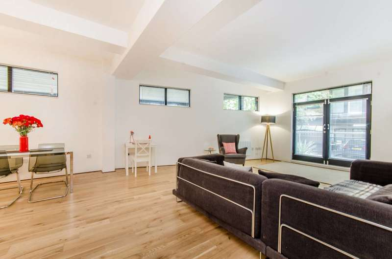 2 Bedrooms Flat for sale in Rufford Mews, King's Cross, N1