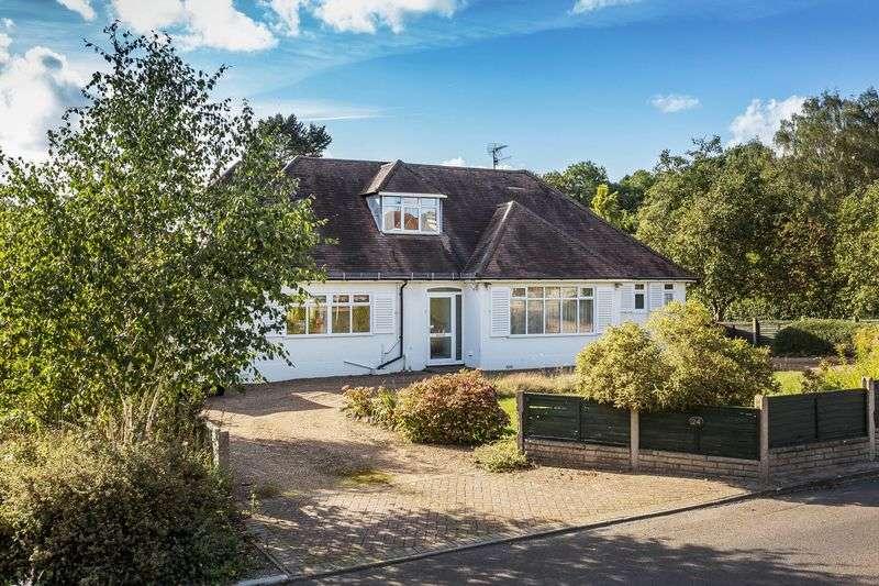 4 Bedrooms Detached Bungalow for sale in Brockham Village