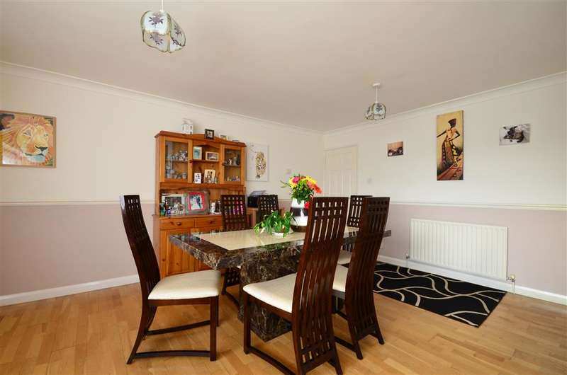 2 Bedrooms Detached Bungalow for sale in Longmynd Drive, Fareham, Hampshire