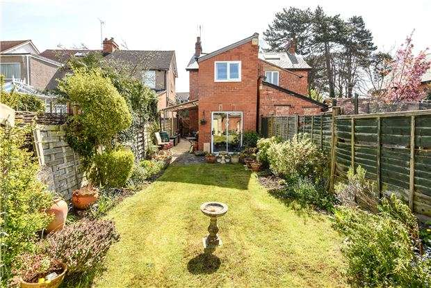 3 Bedrooms Semi Detached House for sale in Sandhurst Road, Charlton Kings, CHELTENHAM, Gloucestershire, GL52 6LJ