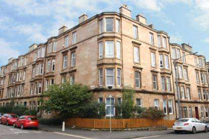 2 Bedrooms Flat for sale in Clincart Road, Mount Florida