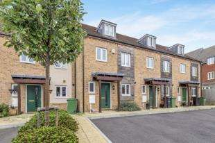 3 Bedrooms Terraced House for sale in Melrose Close, Maidstone, Kent