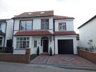 5 Bedrooms Detached House for sale in Spring Park Road, Shirley, Croydon, Surrey
