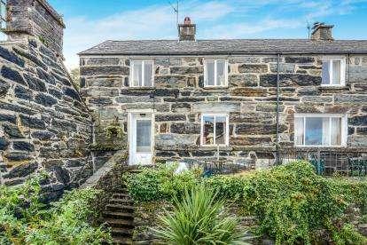 2 Bedrooms Semi Detached House for sale in Porthmadog, Gwynedd, ., LL49
