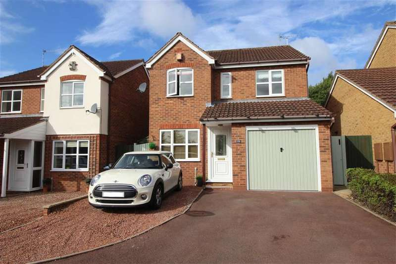 3 Bedrooms Property for sale in Johns Close, Studley, Warwickshire, B80