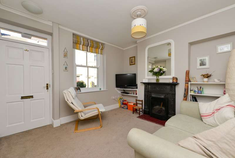 4 Bedrooms Terraced House for sale in Windermere Road, Lancaster, Lancashire, LA1