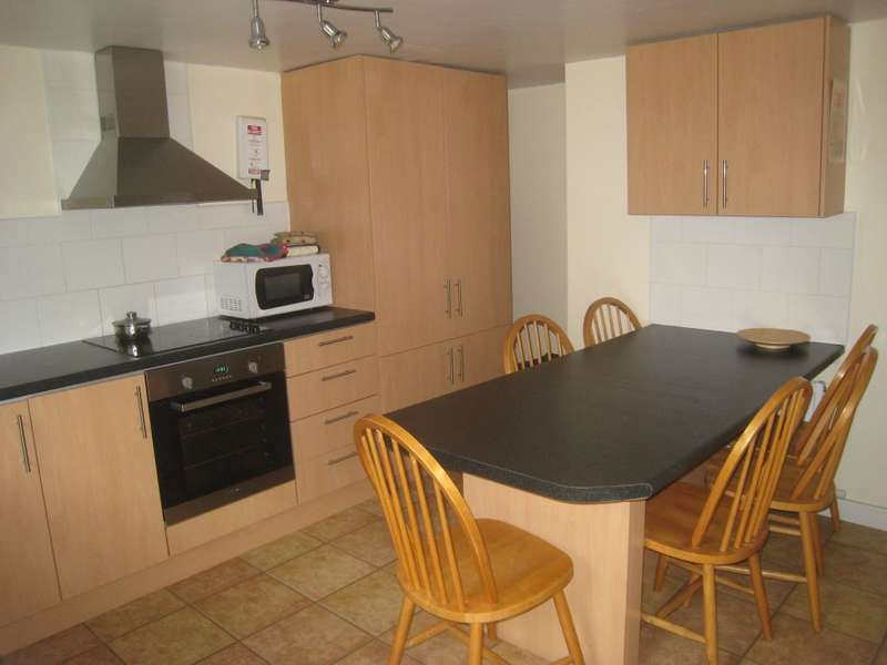 6 Bedrooms Terraced House for rent in Langdale Terrace, HEADINGLEY, LS6