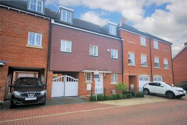 5 Bedrooms Town House for sale in Whittingham Avenue, Wendover, Buckinghamshire