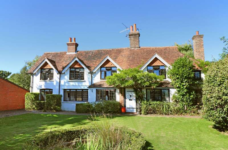 5 Bedrooms House for sale in The Common, Cranleigh, Surrey, GU6
