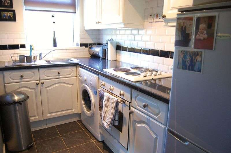 1 Bedroom Flat for sale in ** HOT PROPERTY ** Worthing Close, Wallsend