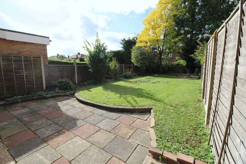 3 Bedrooms Terraced House for sale in Kenilworth Close, Borehamwood, WD6