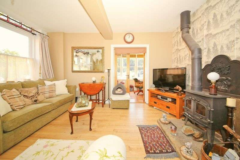 3 Bedrooms Terraced House for sale in Common View, Rusthall