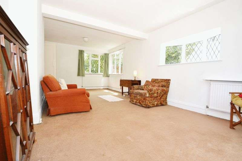 3 Bedrooms Detached House for sale in Kingswood Road, Bromley