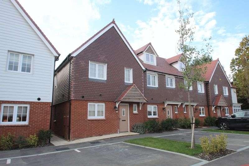 3 Bedrooms Terraced House for sale in Baker Lane, Tonbridge