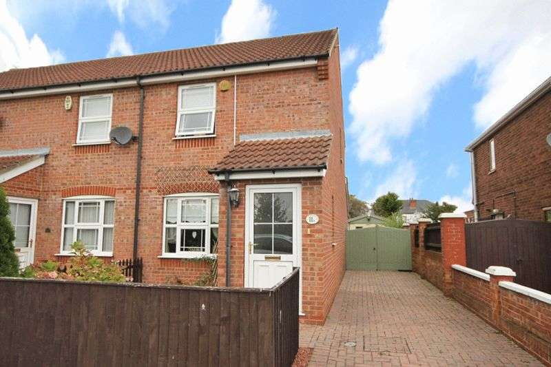 2 Bedrooms House for sale in HOLYOAKE ROAD, GRIMSBY