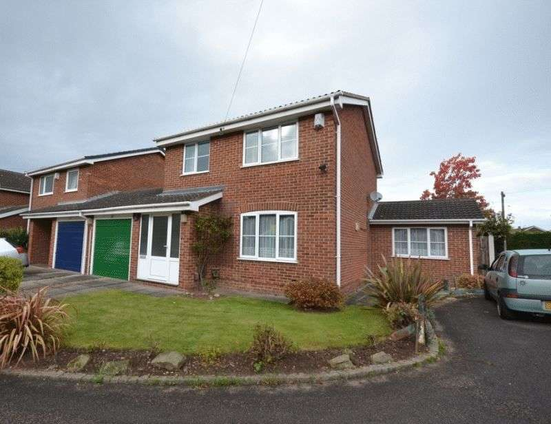 3 Bedrooms Detached House for sale in CORBEL CLOSE, OAKWOOD