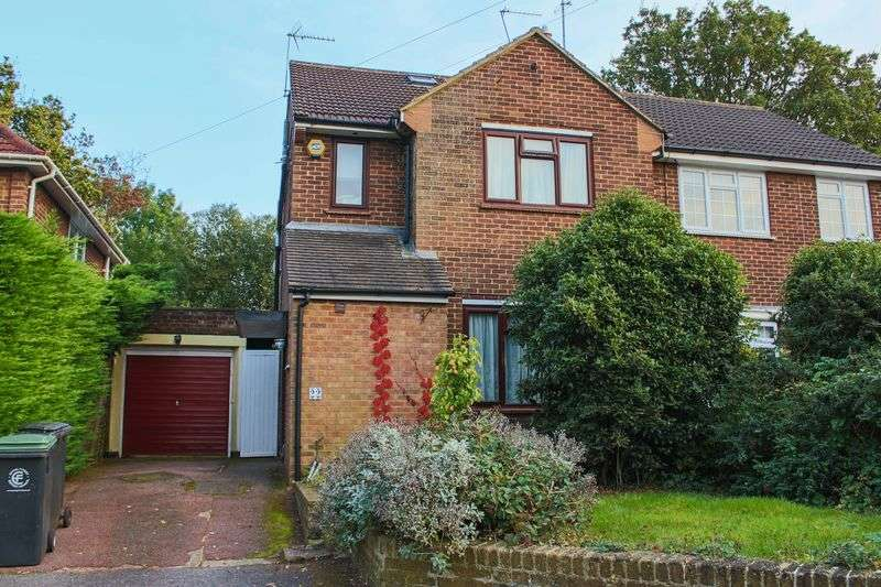 4 Bedrooms Semi Detached House for sale in Epping CM16