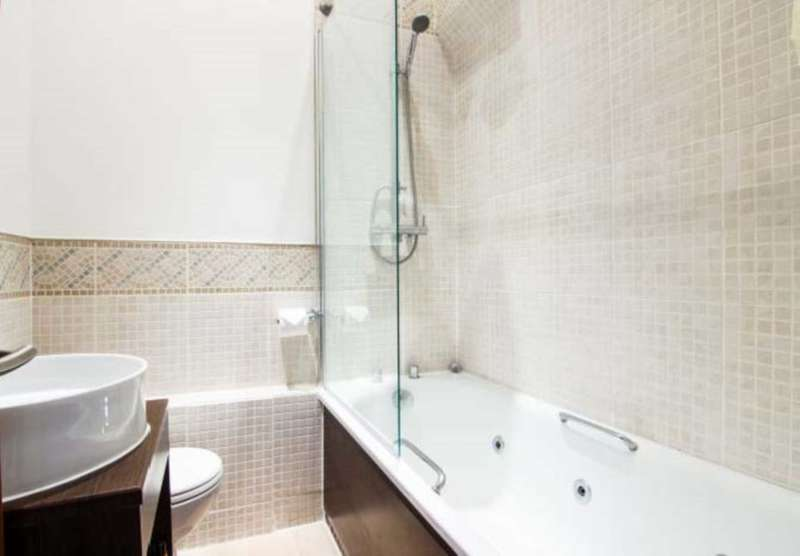 2 Bedrooms Flat for sale in Queensway, London