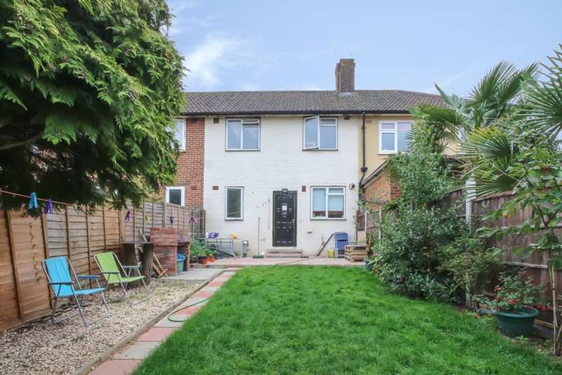 3 Bedrooms Terraced House for sale in Charminster Road, London, London, SE9