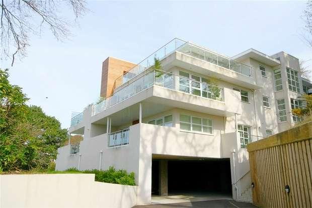 2 Bedrooms Flat for sale in Lower Parkstone, Poole, Dorset