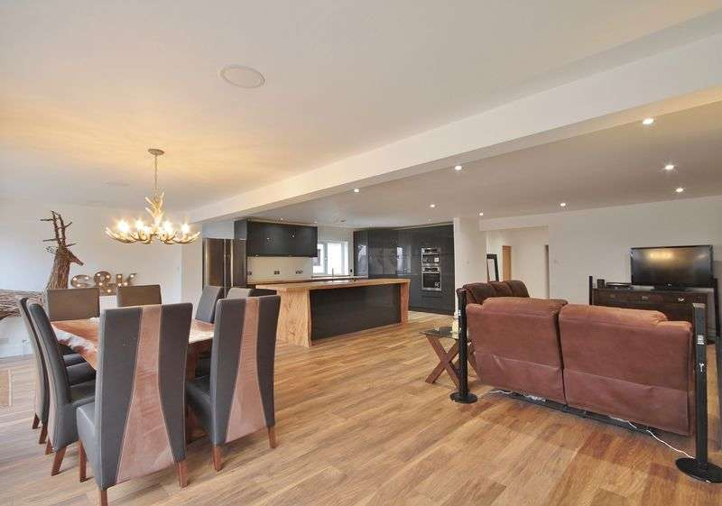 5 Bedrooms Detached House for sale in Lansdowne Road, Abingdon